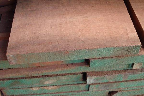 Le essenze del legno zega legnami - Tavole di abete prezzi ...